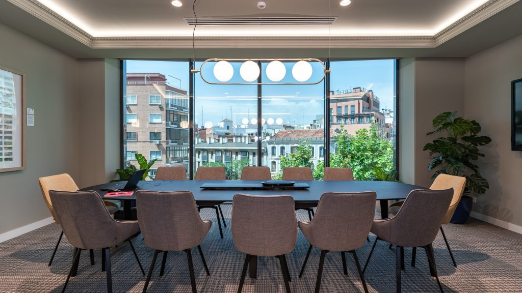 idoia otegui utopicus coworking oficina flexible arquitectura reforma madrid francisco silvela 43