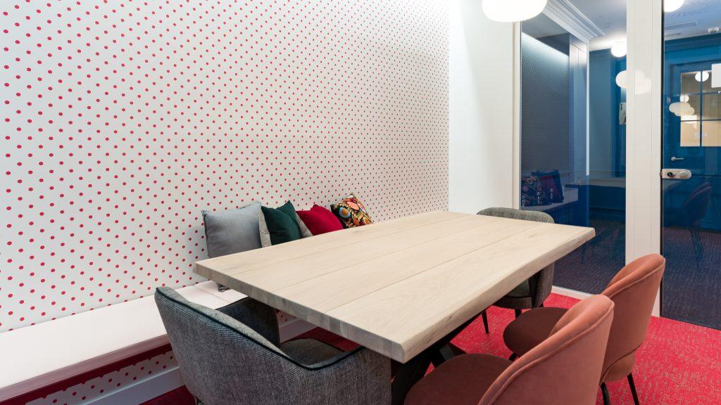 idoia otegui utopicus coworking oficina flexible arquitectura reforma madrid francisco silvela 44